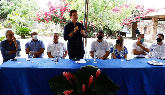 Miguel Coelho recebe apoio de prefeitos, deputados e ex-prefeitos da Mata Norte para a pré-candidatura ao Governo do Estado